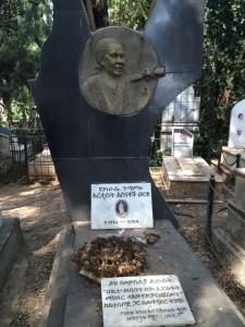 有名歌手の墓
